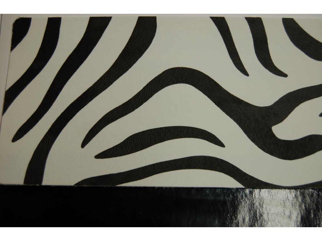 Finta pelle disegno zebra e coordinato unito vernice