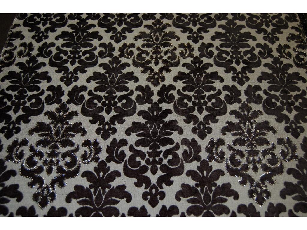 Tessuto damascato in velluto nero